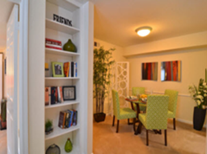 Dining at Listing #139769