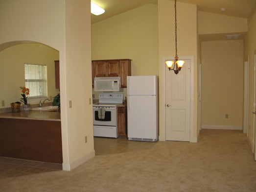 Dining at Listing #144675