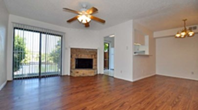 Living/Dining at Listing #136024