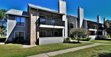 Exterior at Listing #140686