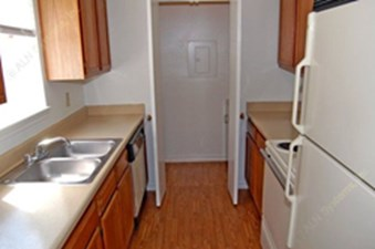 Kitchen at Listing #136023