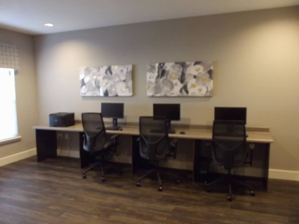 Business Center at Listing #267639