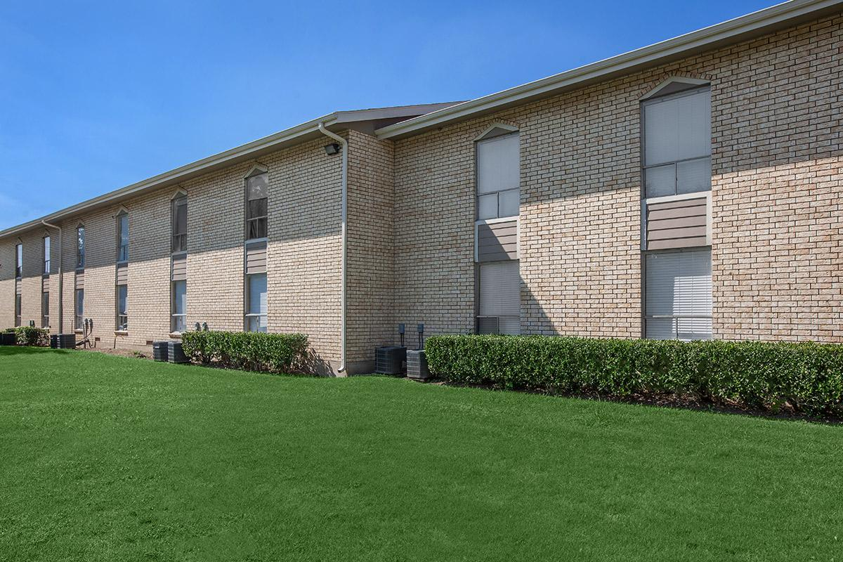 Exterior at Listing #137182
