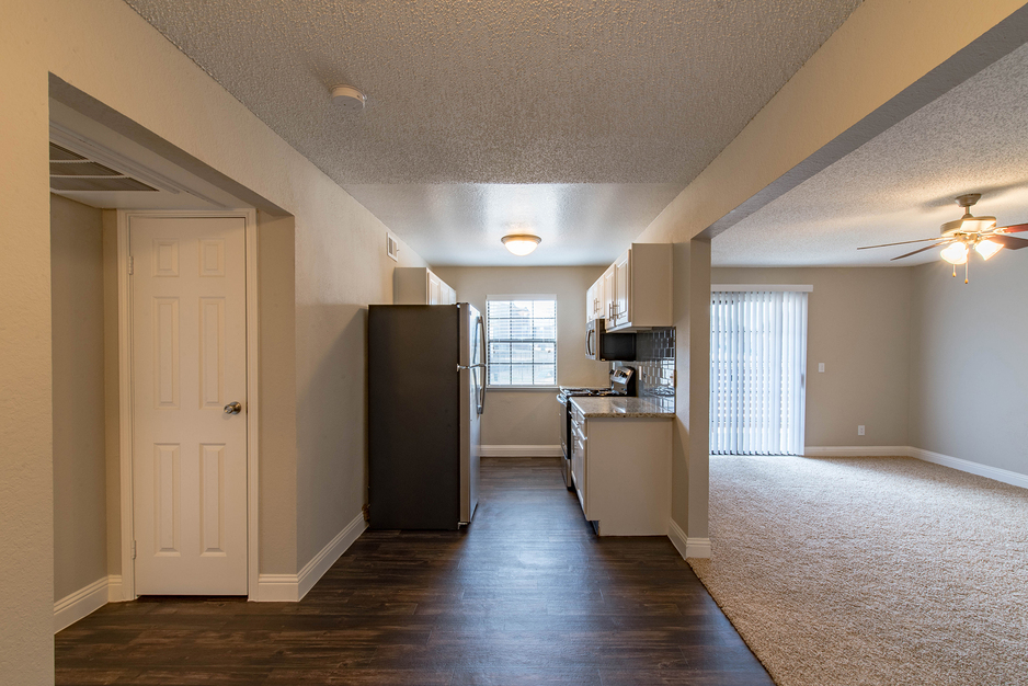 Living/Kitchen at Listing #137295