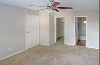 Bedroom at Listing #139259