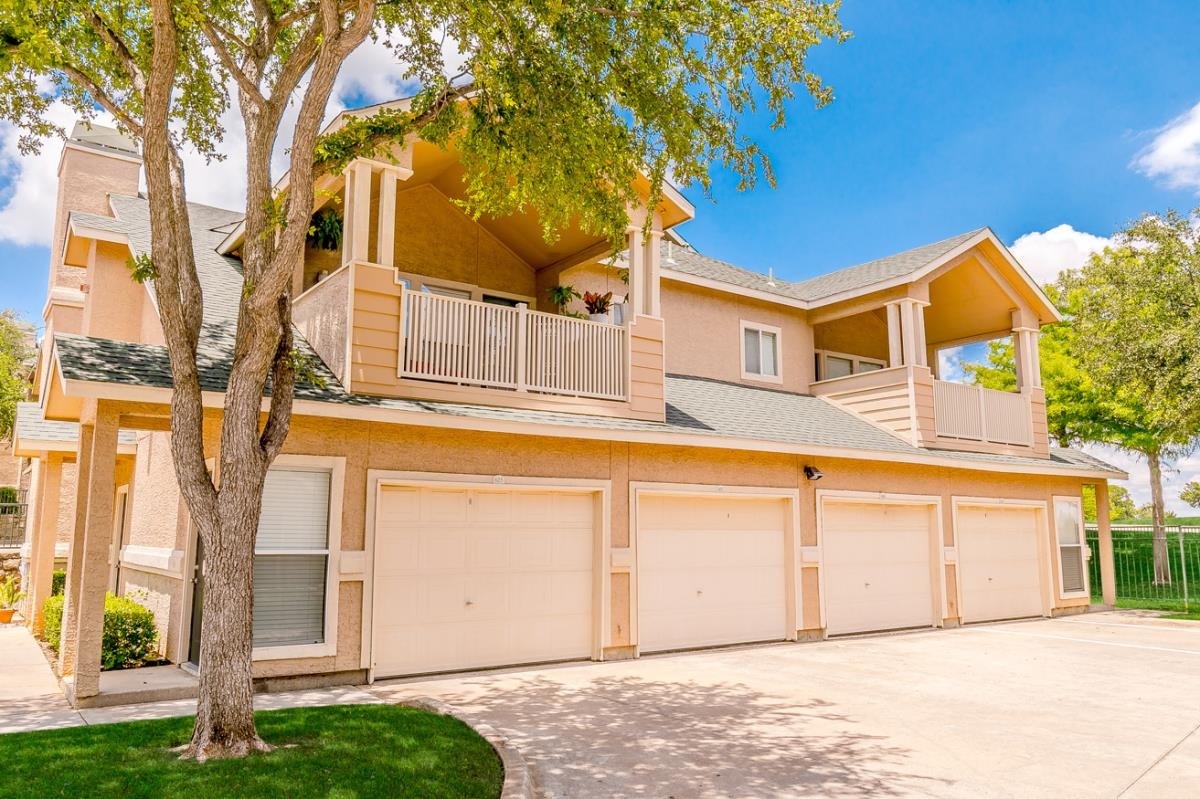Exterior at Listing #137731