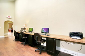 Business Center at Listing #138472