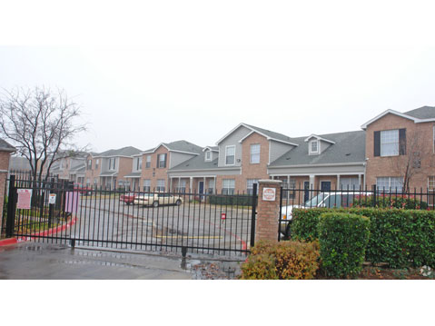 Exterior at Listing #138084