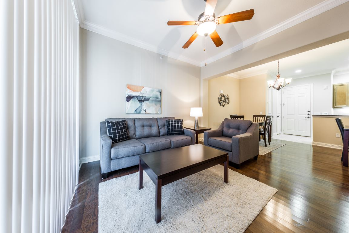 Living Room at Listing #146194