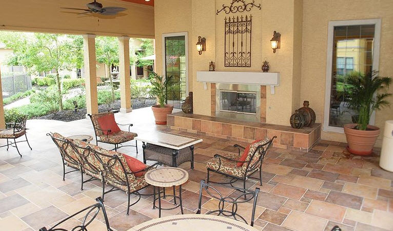 Lounge at Listing #144191