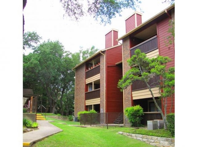 Carmel at Deerfield Apartments San Antonio TX