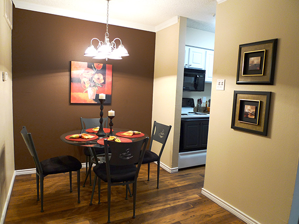 Dining at Listing #135662