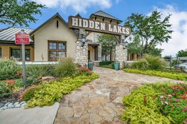 Hidden Lakes Apartments Haltom City TX