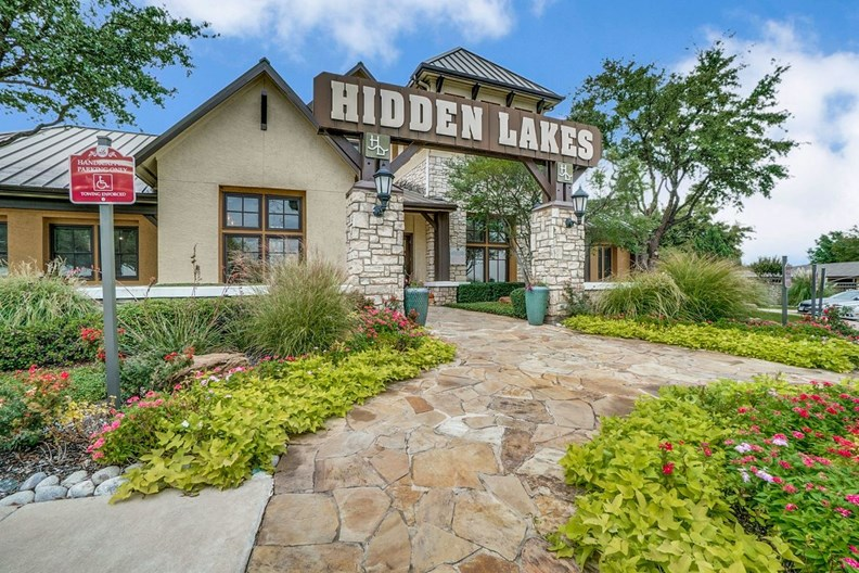 Hidden Lakes Apartments