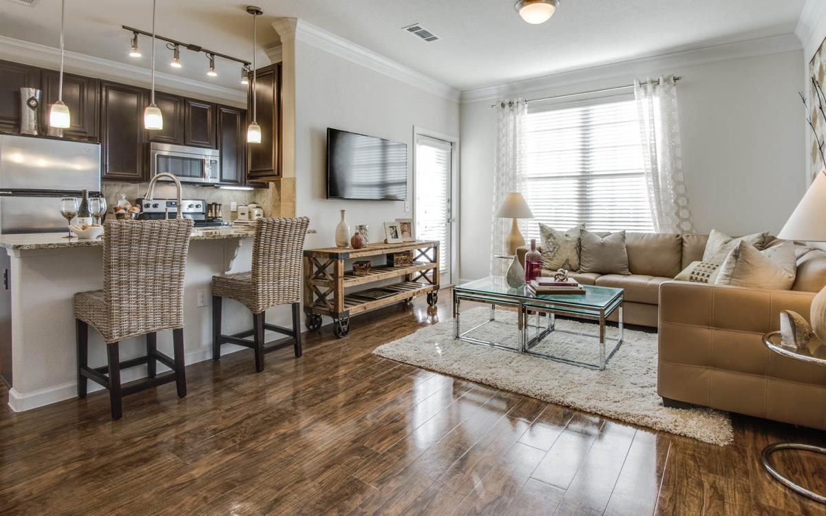 Living/Kitchen at Listing #230344