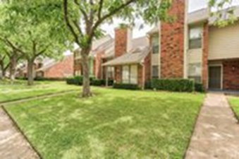 Exterior at Listing #136981