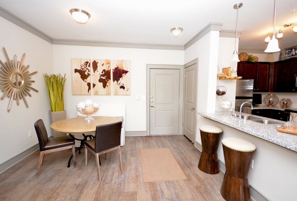 Dining at Listing #226785
