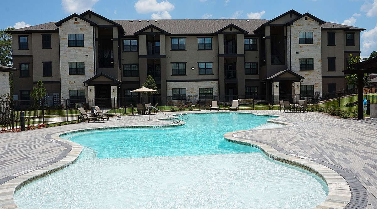 Pool at Listing #283145