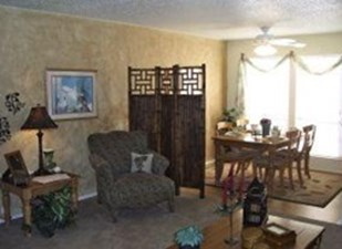 Living/Dining at Listing #140362