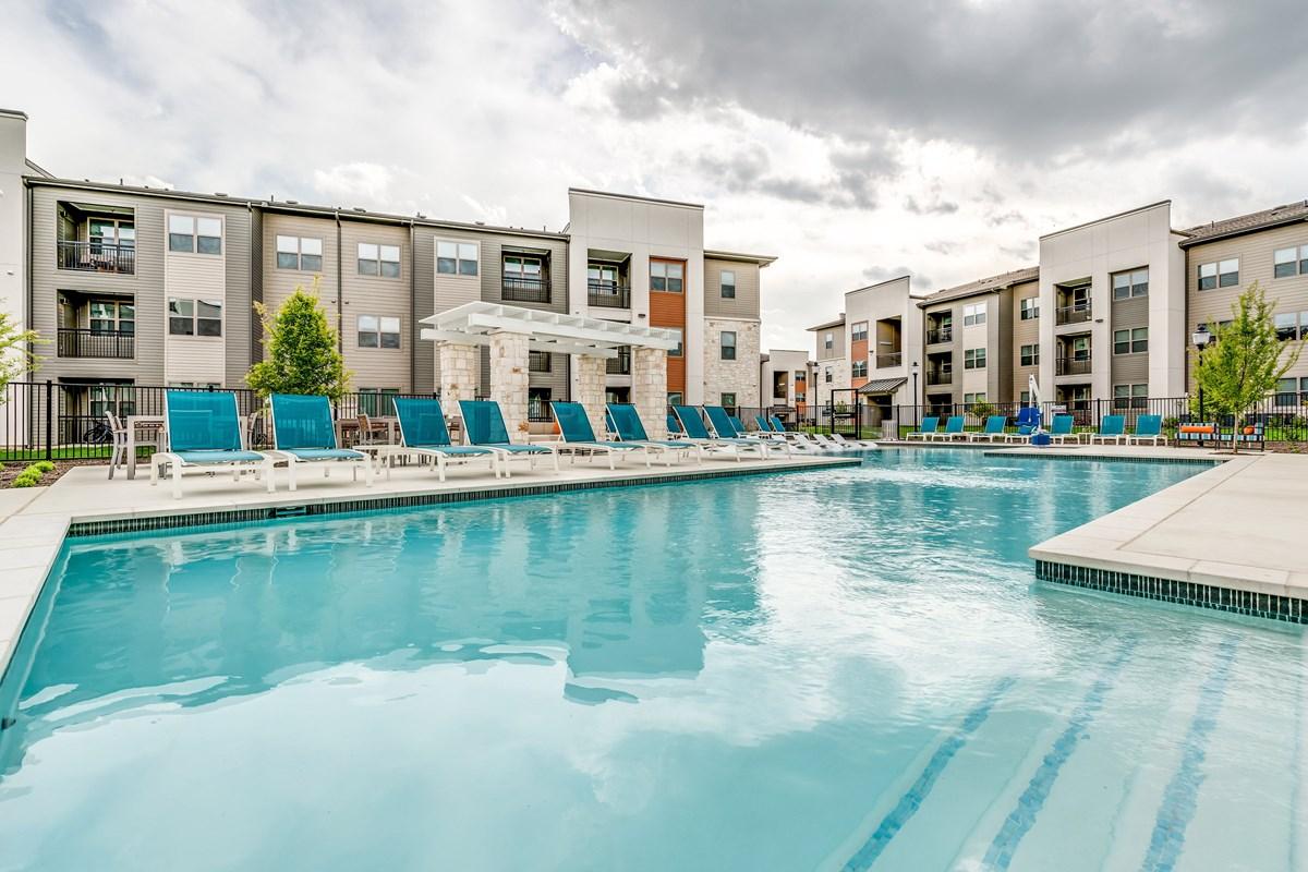 Pool at Listing #287471