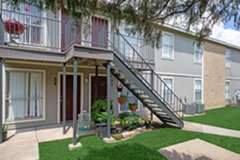 Exterior at Listing #334128