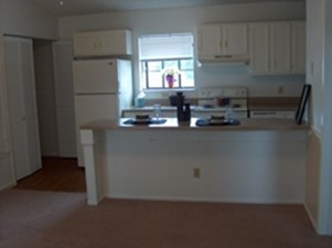 Kitchen at Listing #140316
