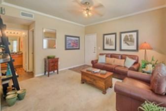 Living at Listing #141469