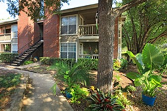 Exterior at Listing #135949