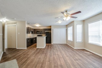Dining/Kitchen at Listing #136863