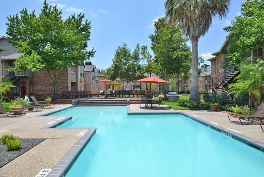 Pool at Listing #139995