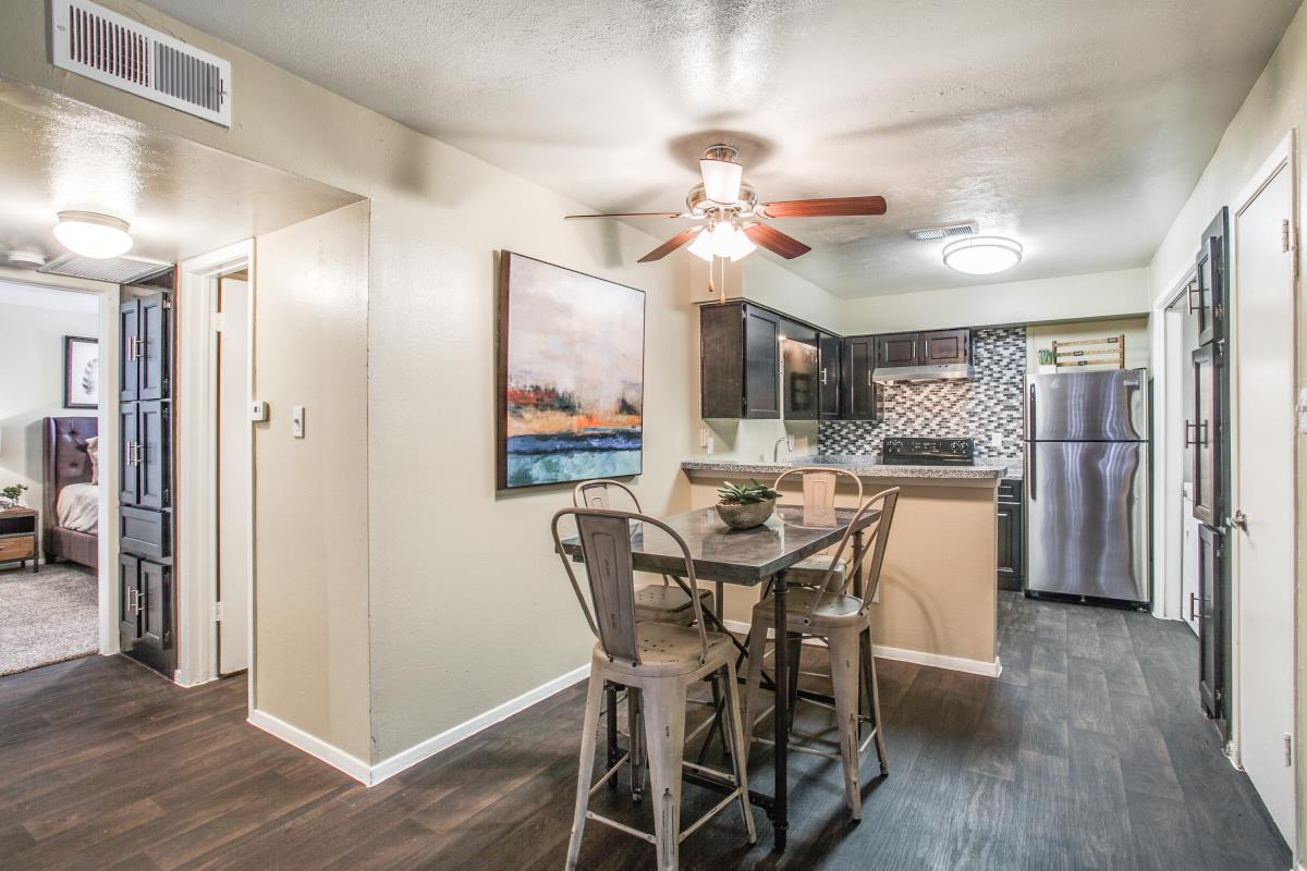 Dining/Kitchen at Listing #136504