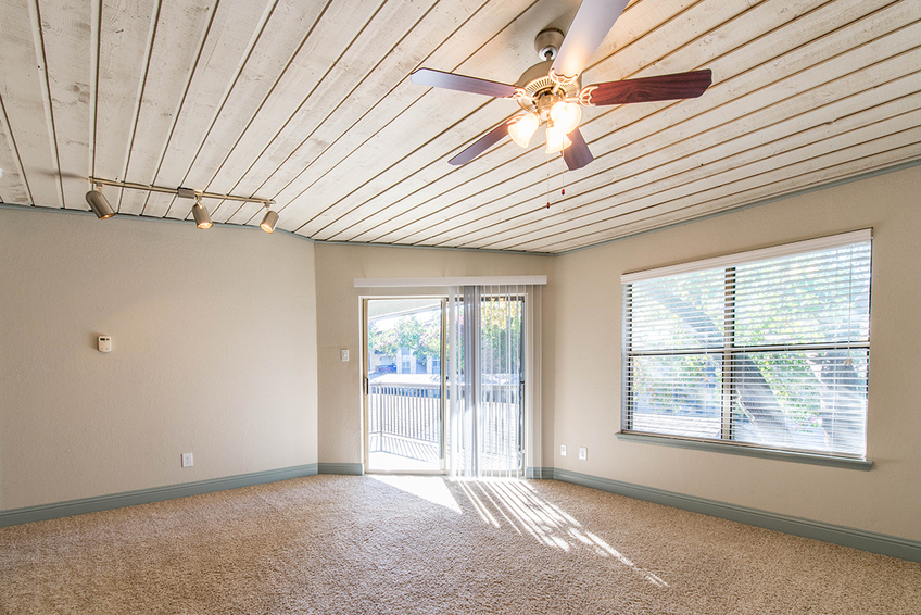 Living at Listing #137070