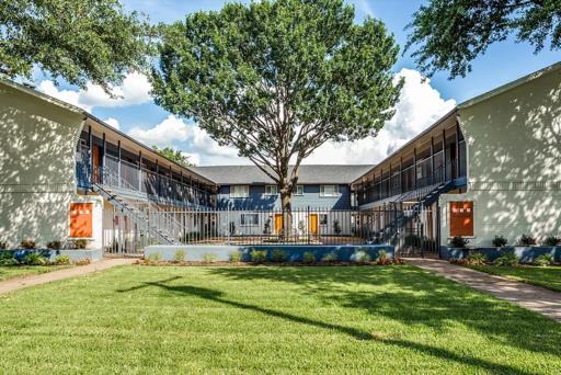 Reiger Park Apartments Dallas TX
