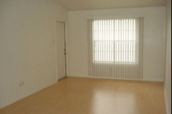 Living at Listing #233542