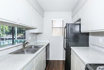 Kitchen at Listing #140974