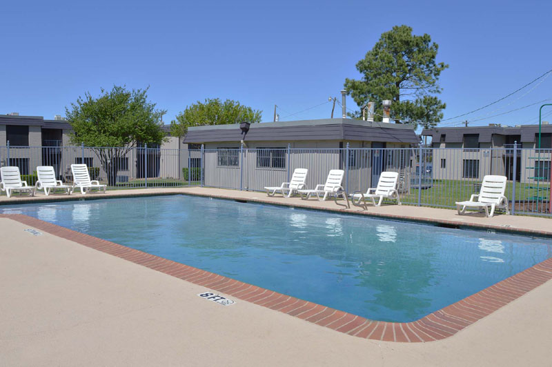 Pool at Listing #137544