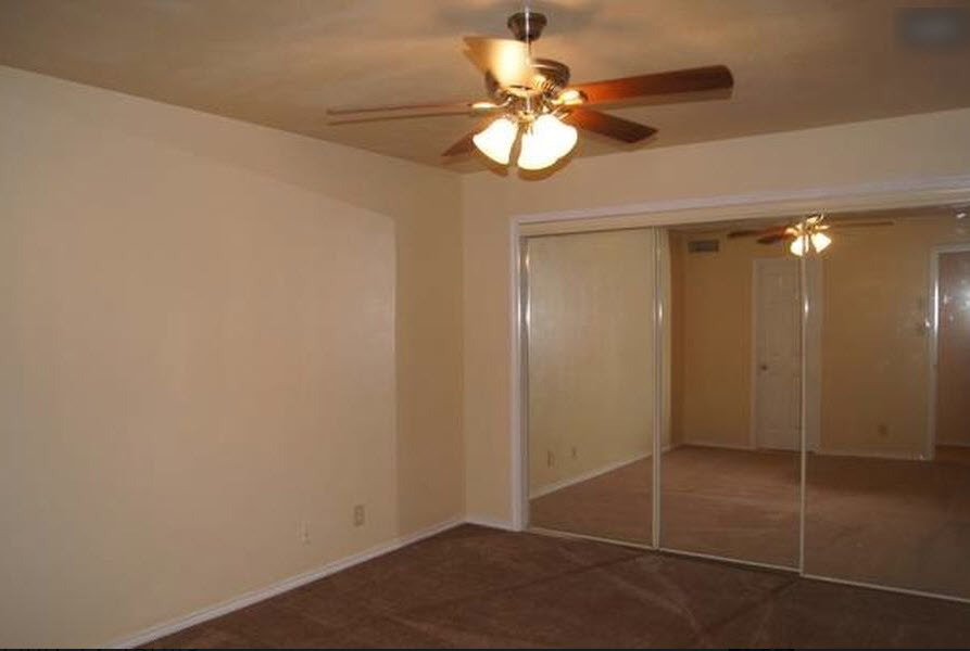 Bedroom at Listing #282760