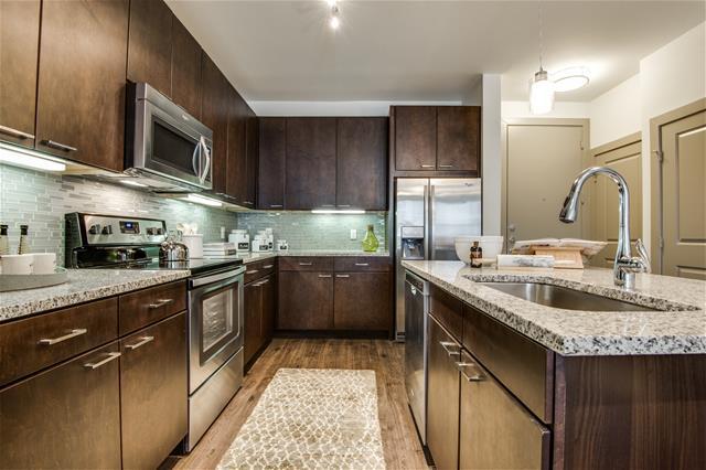 Kitchen at Listing #275304