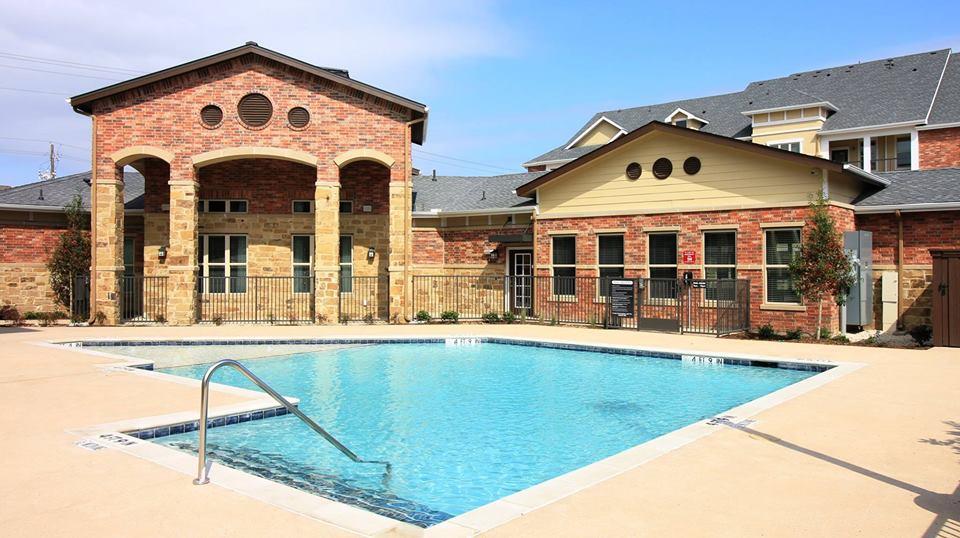 Pool at Listing #287723