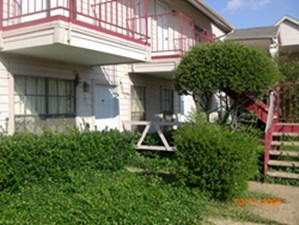 Exterior at Listing #136649