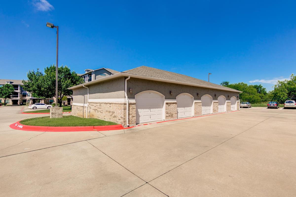 Covered Garage at Listing #138144
