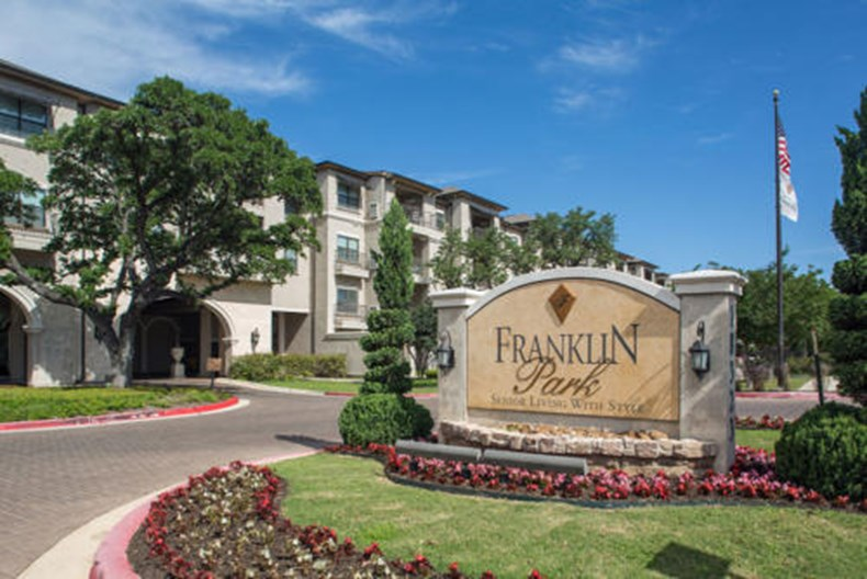 Franklin Park at Sonterra Apartments