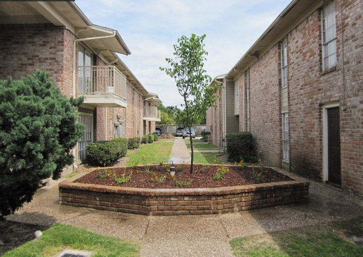 Hammerly Villa Apartments