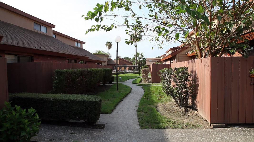 Exterior at Listing #138578