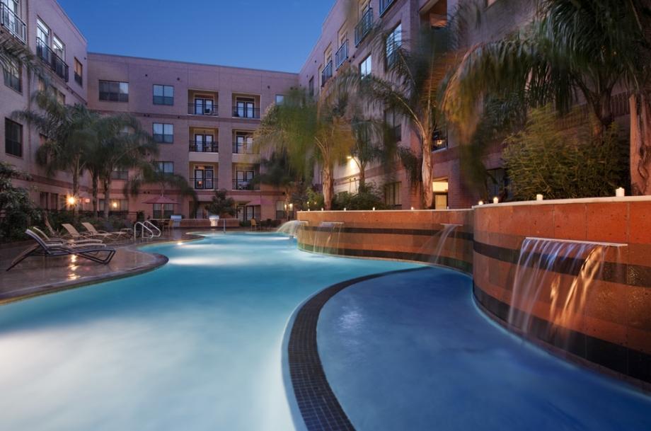 Pool at Listing #144890