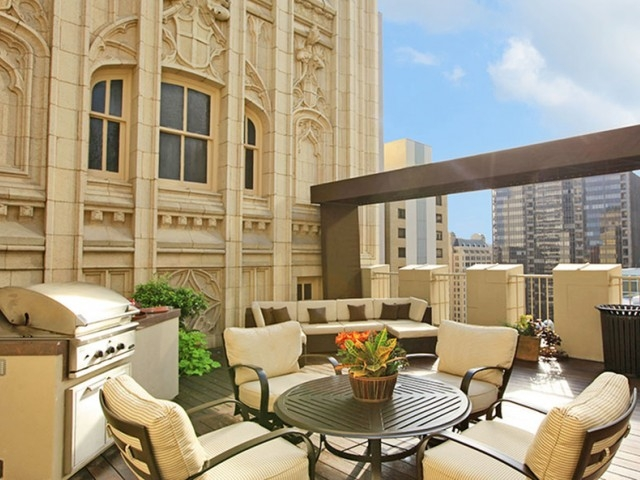 Lounge at Listing #137981