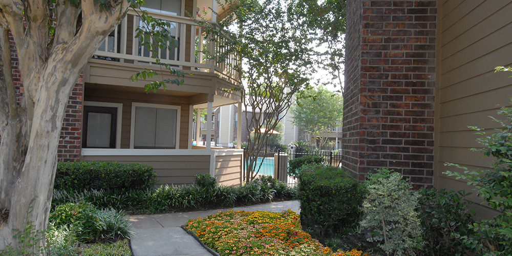 Exterior at Listing #138683