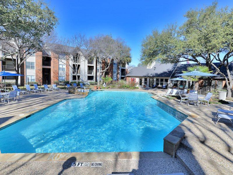Pool at Listing #136984