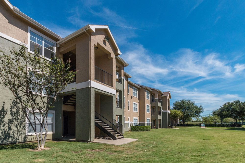 Exterior at Listing #137942