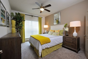Bedroom at Listing #275063